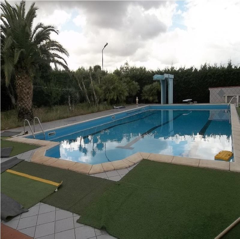 Villa in campagna con piscina zona coda di volpe andria for Lorusso arredamento andria