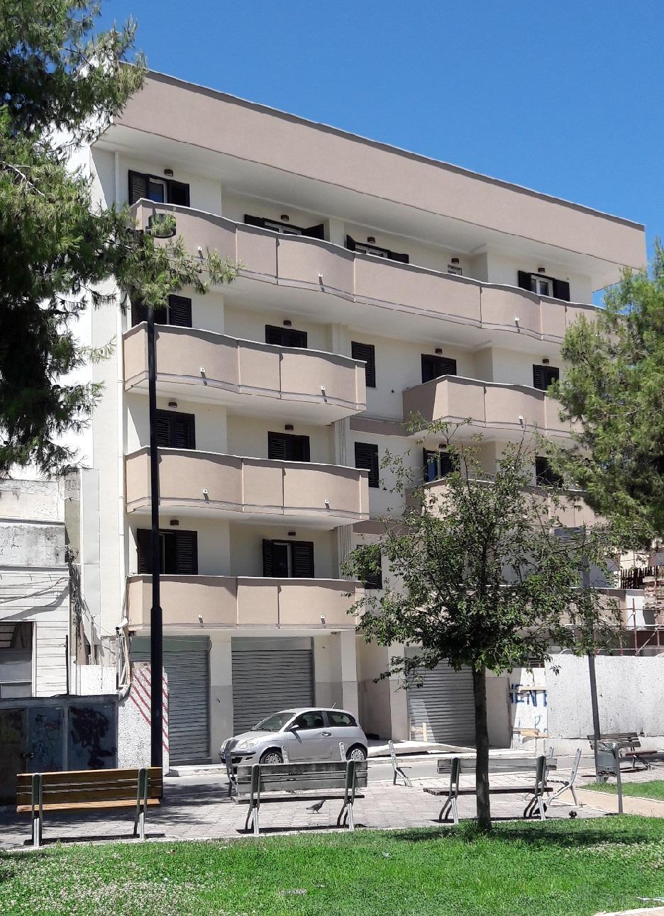 Ribassato affare nuova costruzione appartamenti piazza for Lorusso arredamento andria
