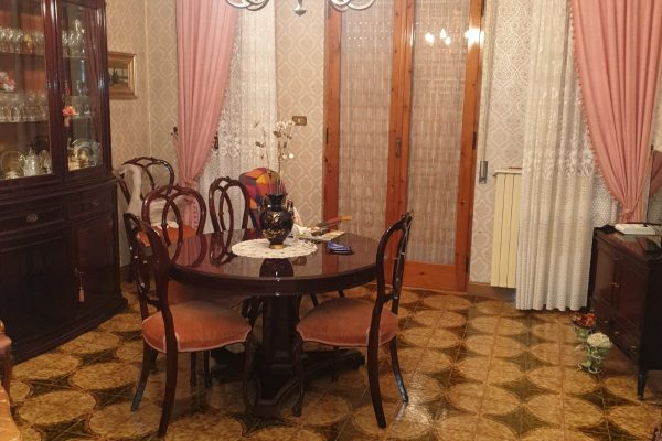 """Cod. 194__NOVITA'____ Appartamento a """"TRANI"""" in Zona centrale in zona Ospedale – Trani –"""